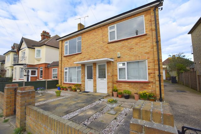 Thumbnail Flat to rent in Beaconsfield Road, Clacton On Sea, Essex