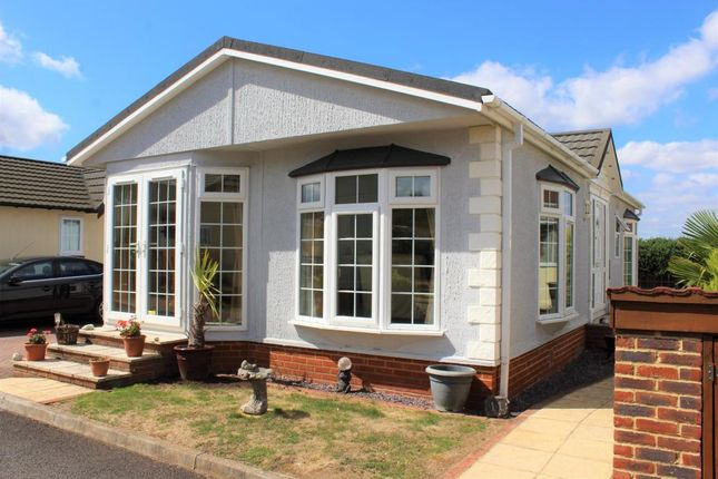 Thumbnail Mobile/park home for sale in The Oaks, Surrey Hills Park, Guildford