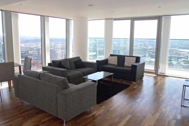 Thumbnail Flat to rent in Landmark Towers East, London