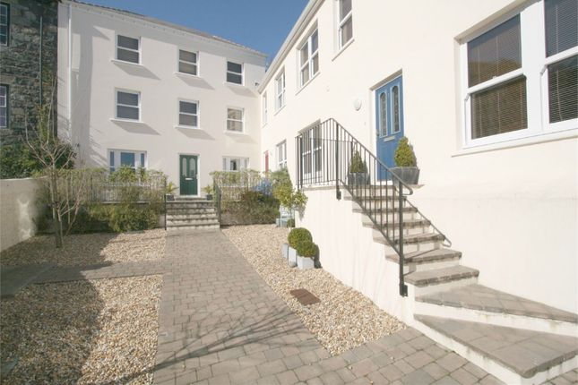 Thumbnail Flat to rent in Rue Du Pre, St. Peter Port, Guernsey