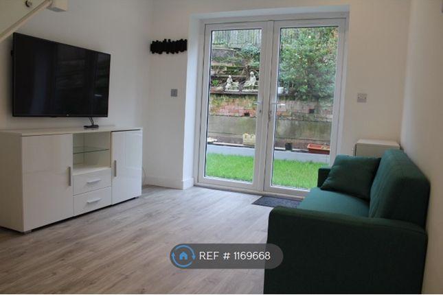 Thumbnail Maisonette to rent in Cotswold Close, Uxbridge