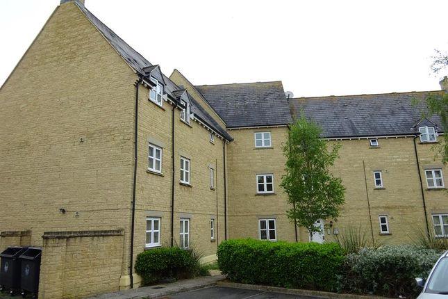 Thumbnail Flat to rent in Cherry Tree Way, Carterton