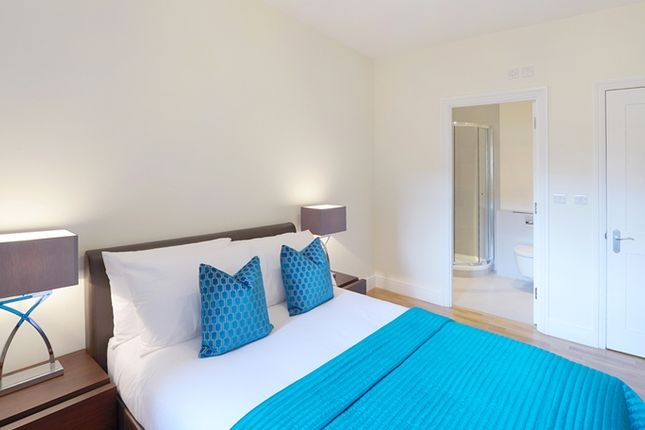 2 bed flat to rent in Hamlet Gardens, London