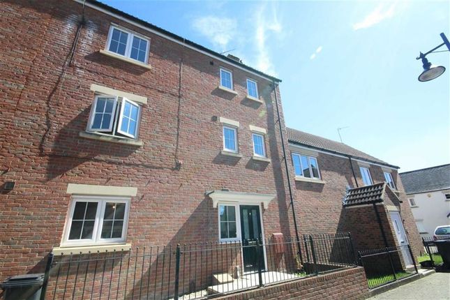 Thumbnail Terraced house to rent in Delft Crescent, Swindon, Wiltshire