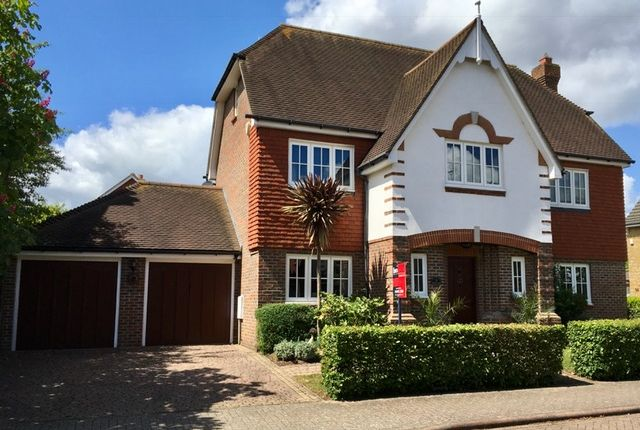 Thumbnail Property for sale in Savile Close, Thames Ditton