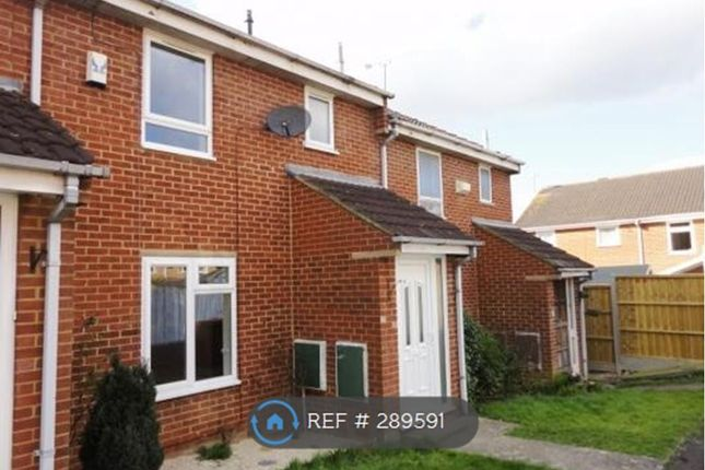 Thumbnail Terraced house to rent in Denby Way, Reading