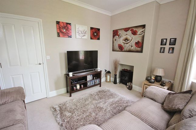 Lounge of Doncaster Road, Selby YO8