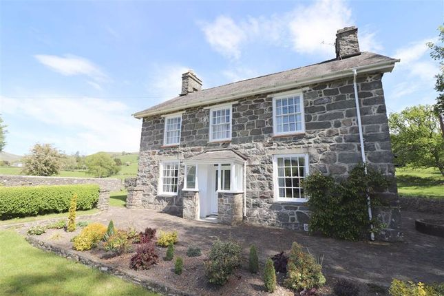 Thumbnail Detached house for sale in Cemmaes, Machynlleth