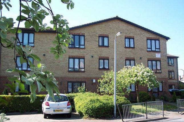 Thumbnail Property for sale in Ainsley Close, London