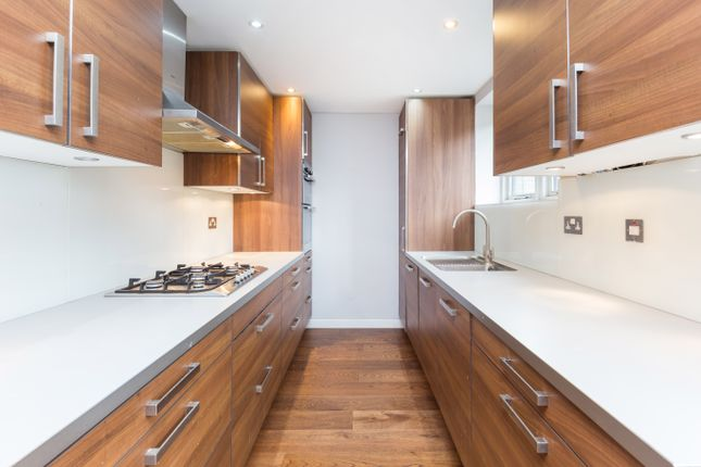 2 bed flat to rent in Cleveland Way, London E1