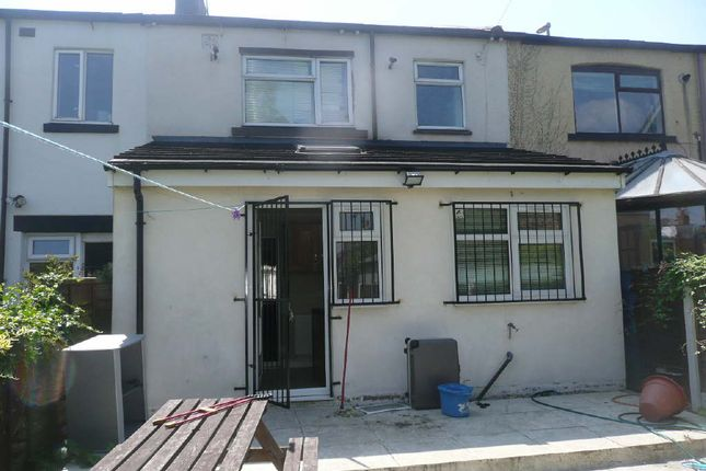 Thumbnail Town house to rent in Town Street, Armley, Leeds