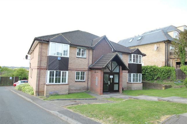 Thumbnail Flat for sale in Vermont Close, Enfield, Middlesex