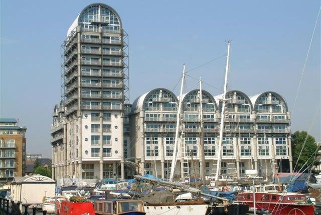 Thumbnail Flat to rent in Baltic Quay, 1 Sweden Gate, Surrey Quays, London