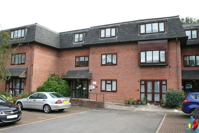 Flat for sale in Westcombe Lodge Drive, Hayes