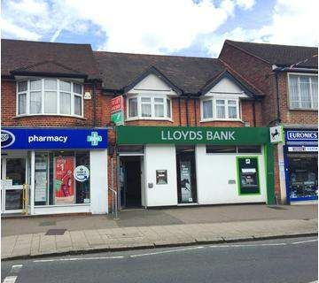 Thumbnail Retail premises to let in High Street, Abbots Langley