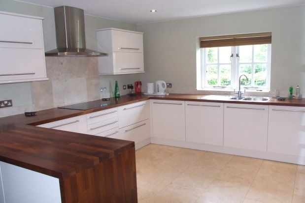 Thumbnail Cottage to rent in Main Road, Chillerton, Newport