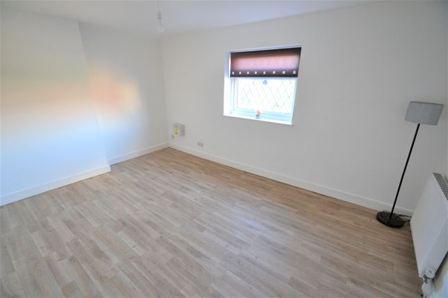 Thumbnail Flat to rent in 53/55 Longcause Way, Farnworth