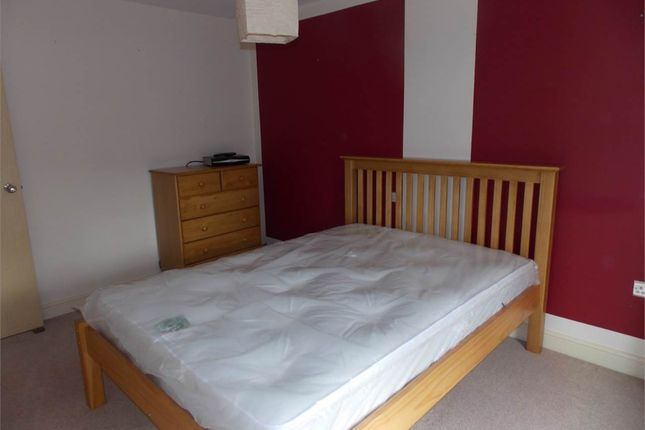 Thumbnail Room to rent in High Court Way, Hampton Vale, Peterborough