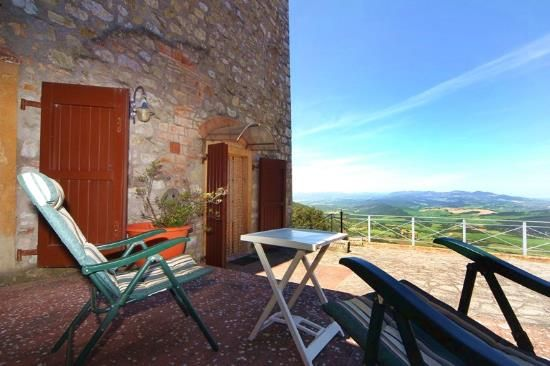 1 bed apartment for sale in Pomarance, Pisa, Tuscany, Italy