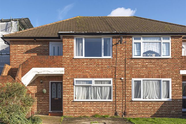 Thumbnail Flat to rent in Bisley Close, Worcester Park