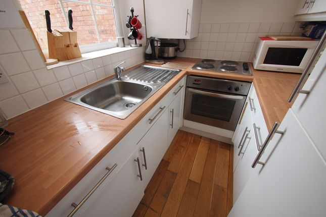 Thumbnail Shared accommodation to rent in 54 Bakers Mews, Worcester