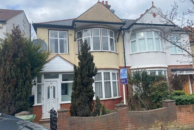 4 bed end terrace house to rent in Bolton Road, Harrow HA1