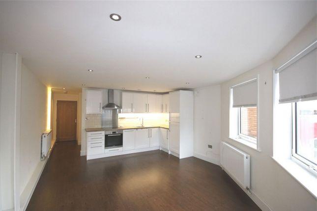 1 bed flat to rent in High Street, High Barnet EN5