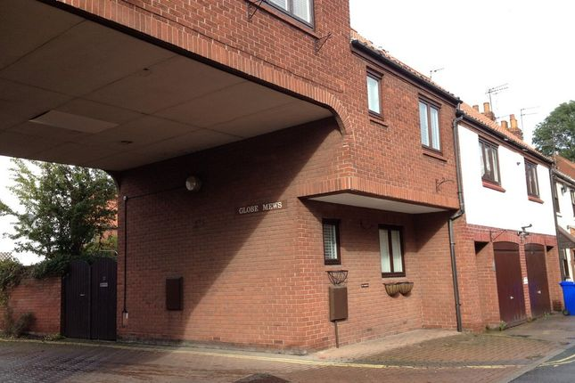 Thumbnail Town house to rent in Globe Mews, Beverley