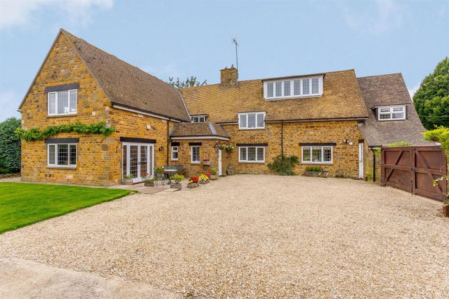 Thumbnail Detached house for sale in Thorpe Road, Wardington, Banbury, Oxfordshire