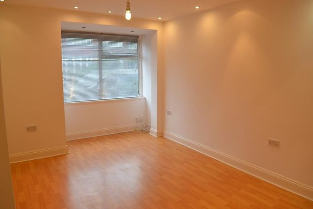 Thumbnail Property to rent in Chichester Road, London