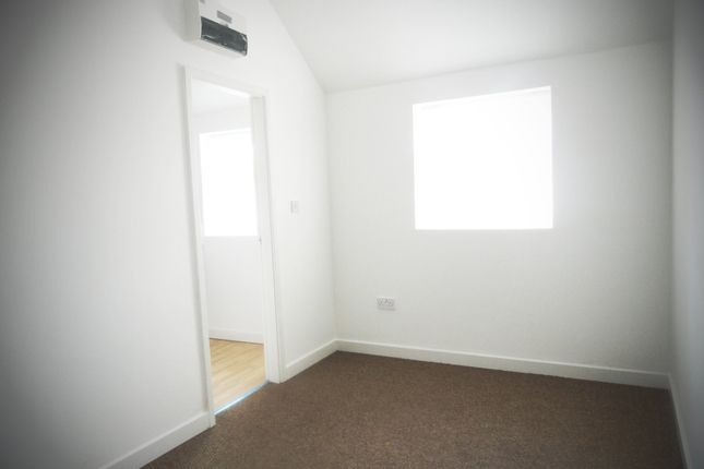 Thumbnail Flat to rent in Melton Road, Syston