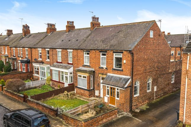 2 bed end terrace house for sale in Wetherby Road, Tadcaster LS24