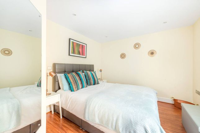 Thumbnail Flat to rent in Railshead Road, St Margarets, Isleworth