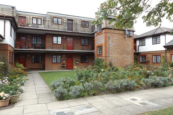 Thumbnail Flat for sale in Southend House, Eltham