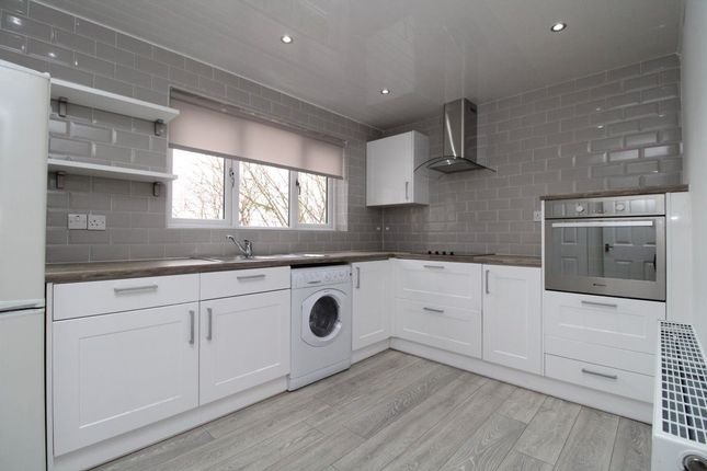 Thumbnail Flat to rent in Lennox Crescent, Bishopbriggs, Glasgow