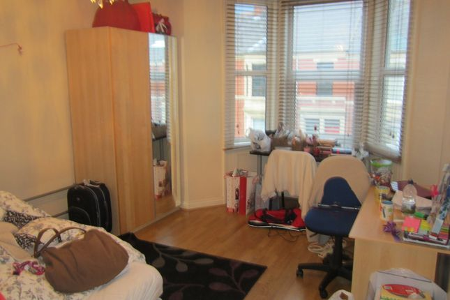 Thumbnail Maisonette to rent in Myrtle Grove, Jesmond, Newcastle Upon Tyne