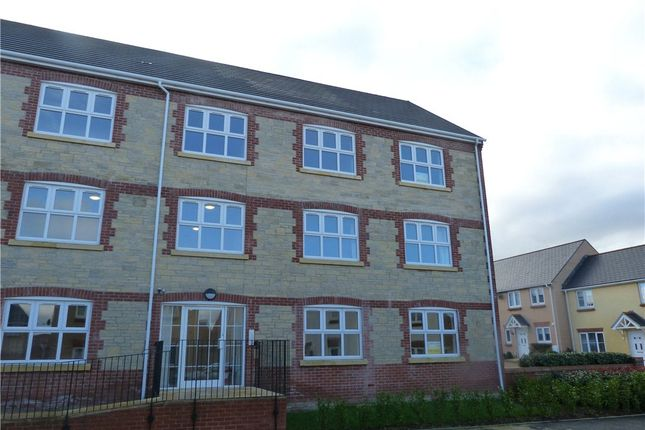 Thumbnail Flat to rent in Jubilee Close, Crewkerne, Somerset