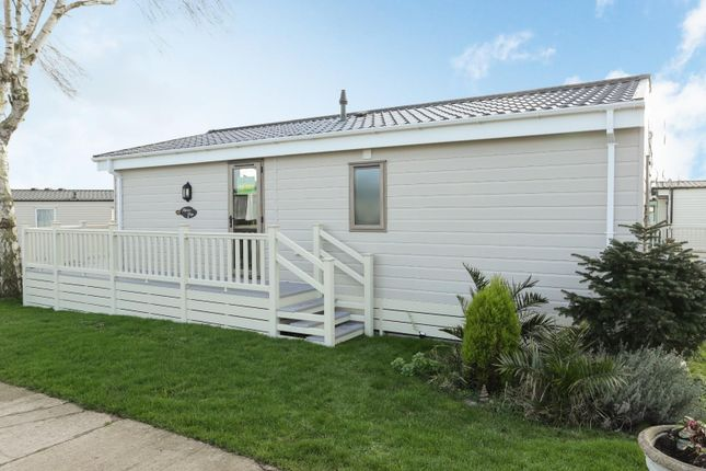 2 bed mobile/park home for sale in Way Hill, Minster, Ramsgate