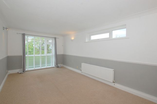 Thumbnail Flat to rent in Beaconshaw, 11 Oaklands Road, Bromley