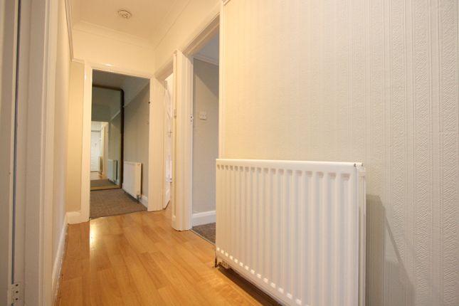 Hallway of Nugents Court, St. Thomas Drive, Pinner HA5