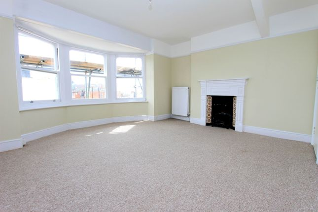 4 Bedroom Flat  of Brunswick Place, Hove BN3