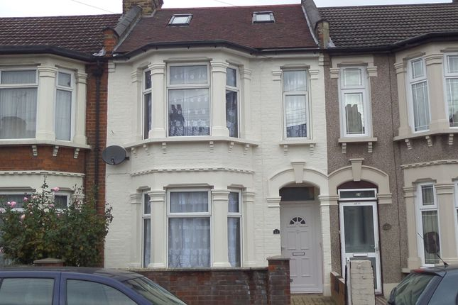 Thumbnail Terraced house for sale in Henley Road, London