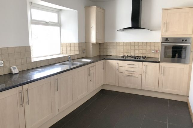 Thumbnail Terraced house to rent in Upton Road, Torquay