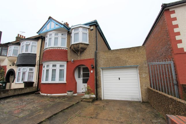 Thumbnail Terraced house to rent in Grafton Avenue, Rochester