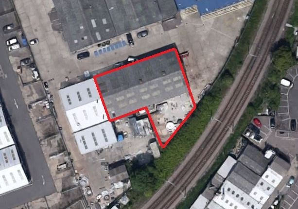 Thumbnail Industrial to let in Moorside, Colchester