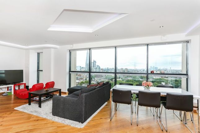 3 bed flat for sale in Newington Causeway, London