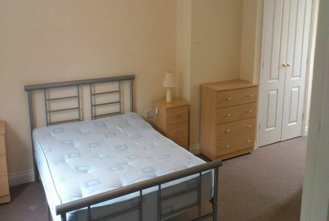 Thumbnail Room to rent in Robertson Way, Sapley, Huntingdon