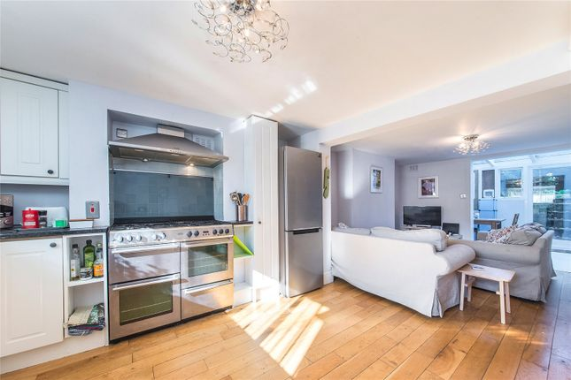 Thumbnail End terrace house to rent in Greenwich Park Street, London