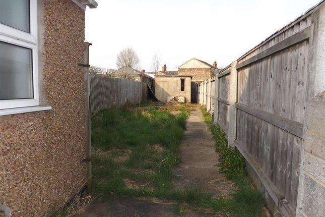 Garden of Heneage Road, Grimsby DN32