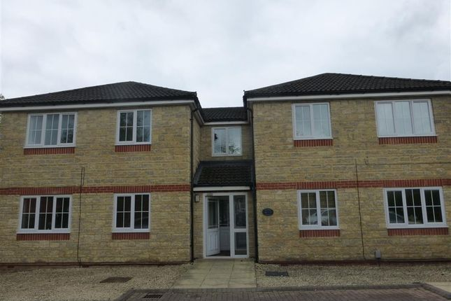 Flat to rent in Cheney Manor Road, Swindon